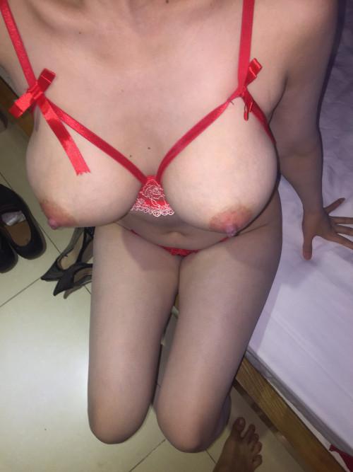 review-of-nguyen-duy-for-hot-girl-lam-gia-093.140.185104e277770f2343e6.jpg